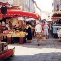 Fêtes - Marché - Lotos - Commémorations